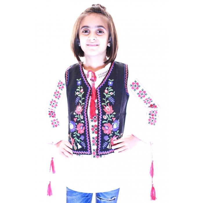 Vesta Traditionala Fetite Viorica2