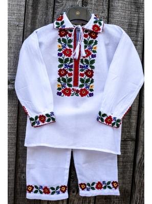 Costum traditional baieti Ioan2