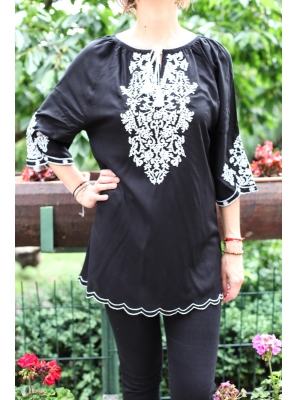Bluza Brodata cu motive Traditionala