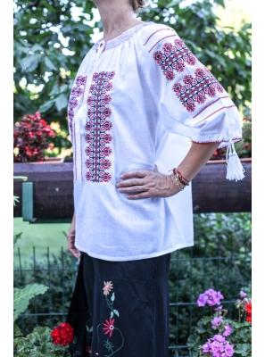 Ie Traditionala Teodosia4