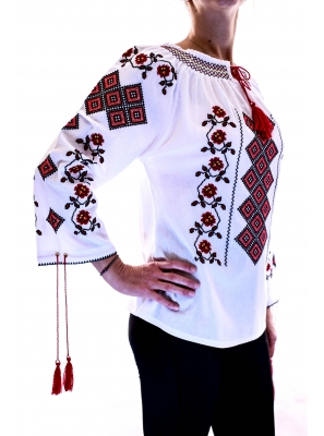 Ie Traditionala Romaneasca3