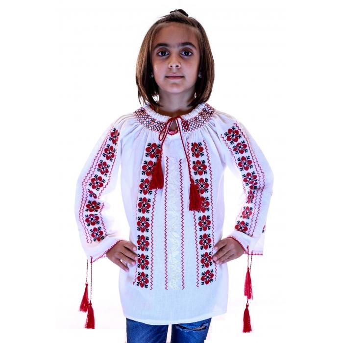 Ie Traditionala Romaneasca Fete4