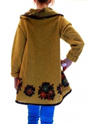 Poncho din lana cu maneci3